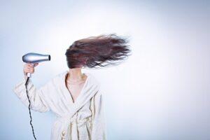 Spruzzalo dove iniziano i capelli